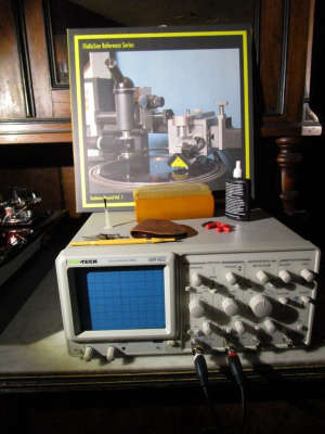FloKaSon test record, oscilloscope and accessories